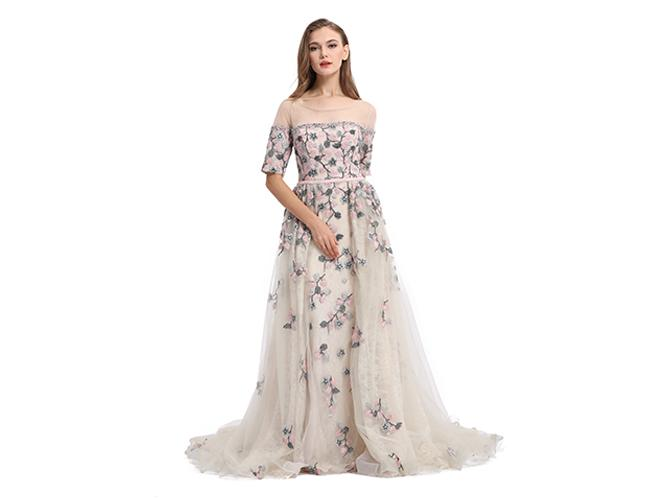 Unique Design Butterfly Half Sleeve Muslim Party Ball Gown For Debut / Banquet
