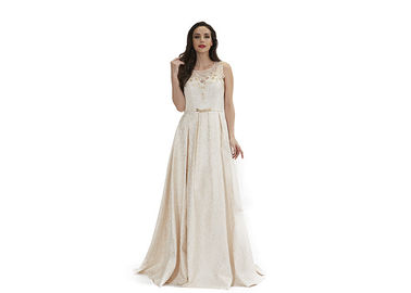 China Sexy Look Backless Ladies Arabic Wedding Party Dresses With Nice Tapestry Fabric factory